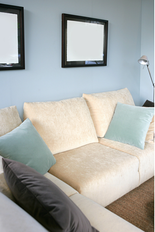 2015-design-trends-blue-couch.png