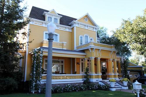 desphswiveshouse