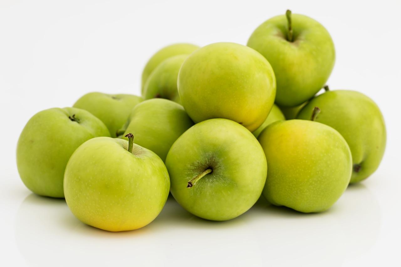 apple-fruit-green-healthy-37645.jpeg