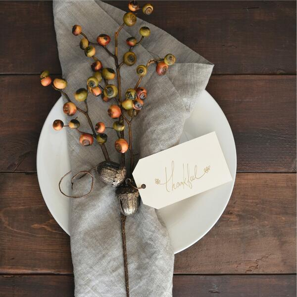 Bring your Thanksgiving table together with simple tips.