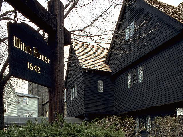 Salem_Witch_House_II.jpg