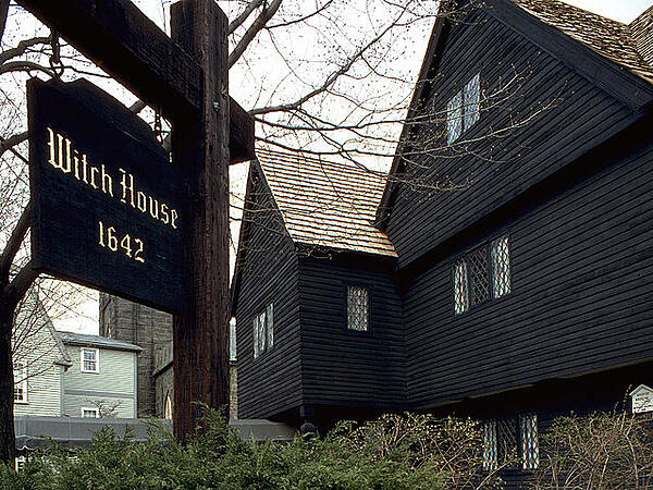 Salem, Massachusetts,is home to many ghost tours.