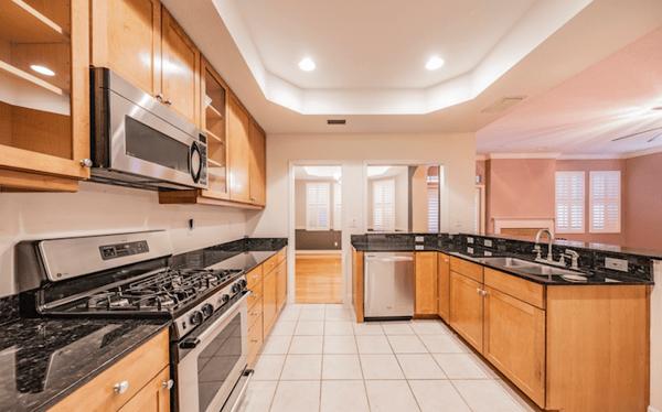 BayshoreTrail home kitchen