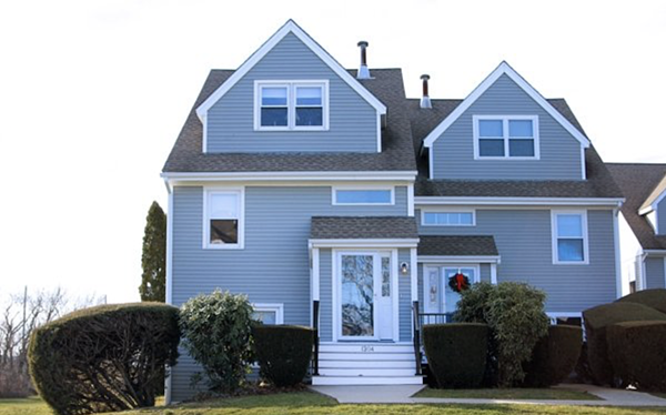 Fully furnished remodeled rental in Newport, RI.