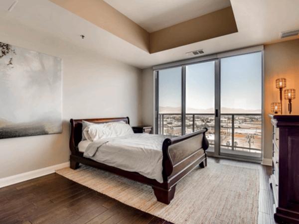 Las Vegas Apartment master suite