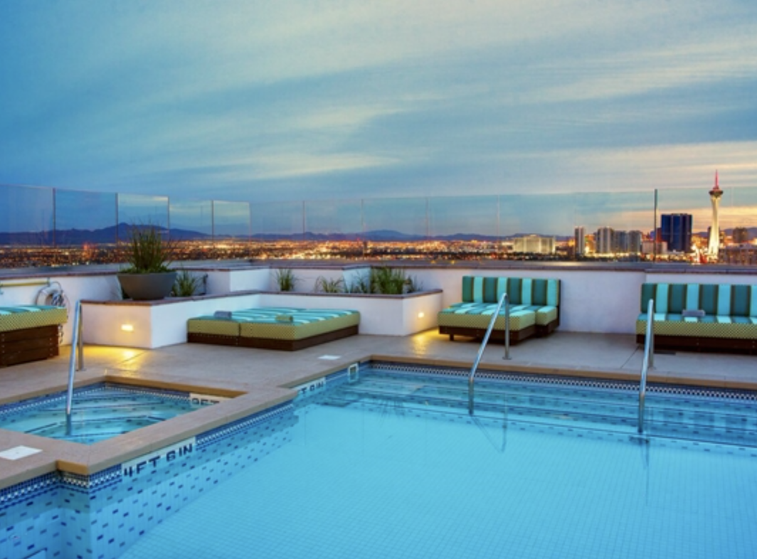Las Vegas Apartment pool