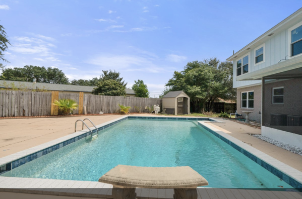 Mary Esther Home for Sale with Pool