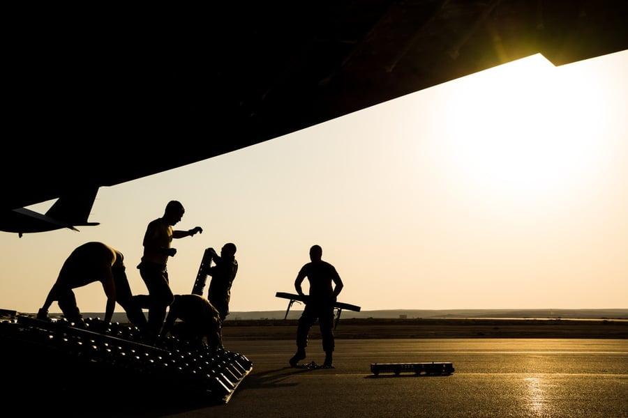 C-17 cargo loading