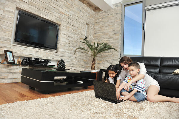 Mention kid-friendly features such as school district in your home listing.