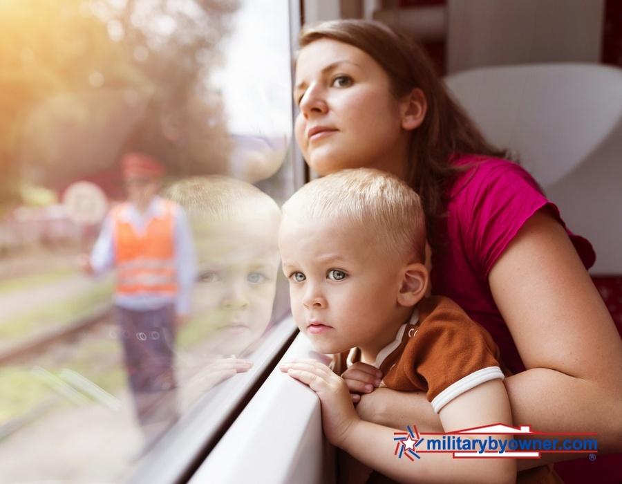 mom_child_travel.jpg