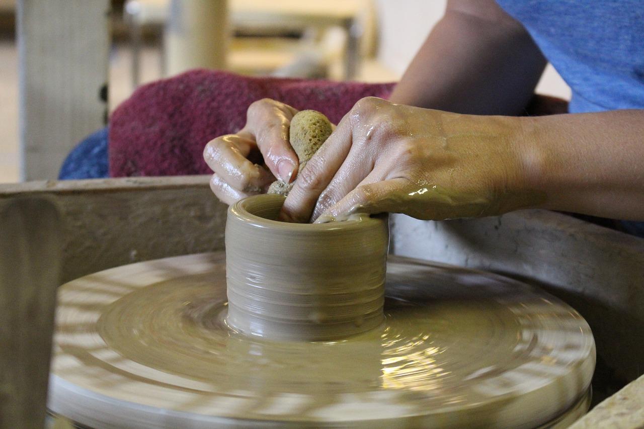 potter-622708_1280.jpg