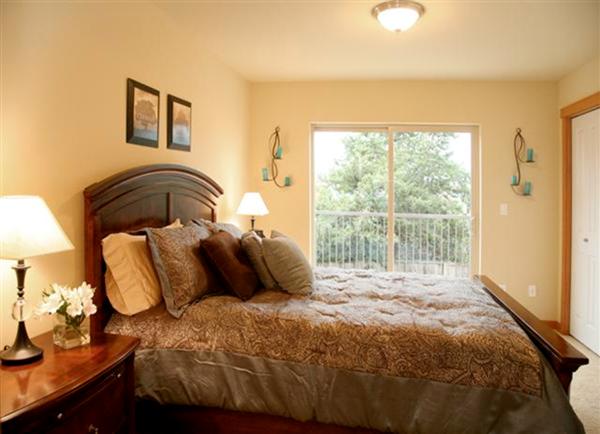 Ely Street bedroom