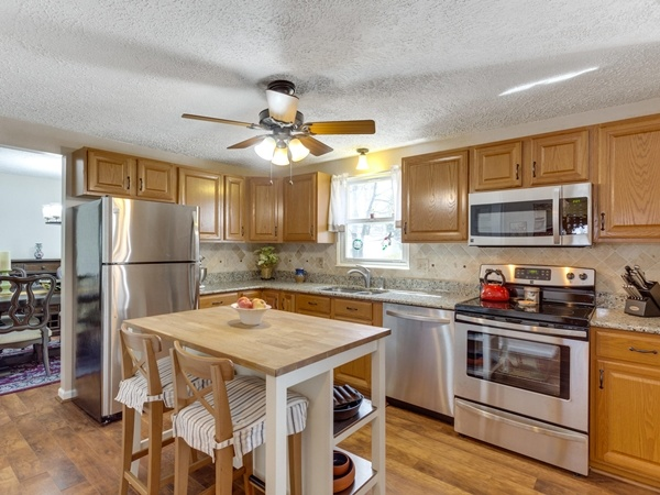 Kinsdale Court home for Sale in Springfield Virginia
