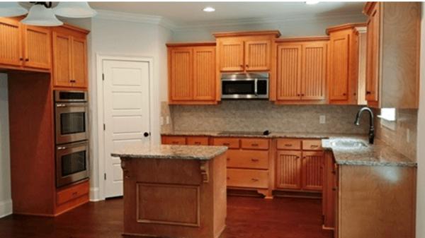 Steele Creek Drive kitchen