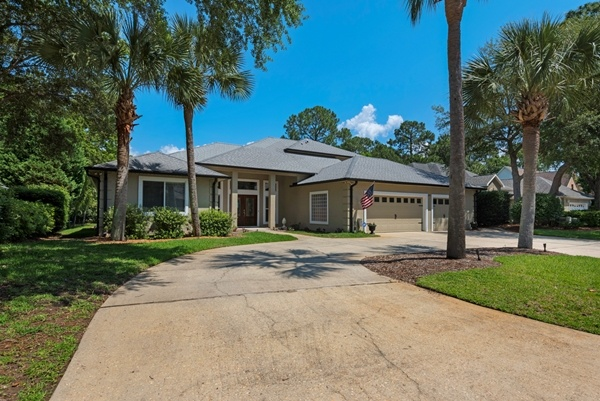 Niceville Home for Sale with Pool