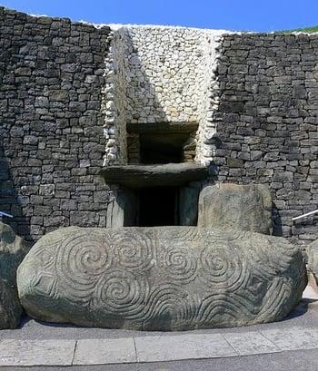 Newgrange-ireland-militarybyowner