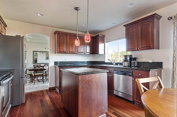 Northwest Scenic Vista Kitchen Oak Harbor