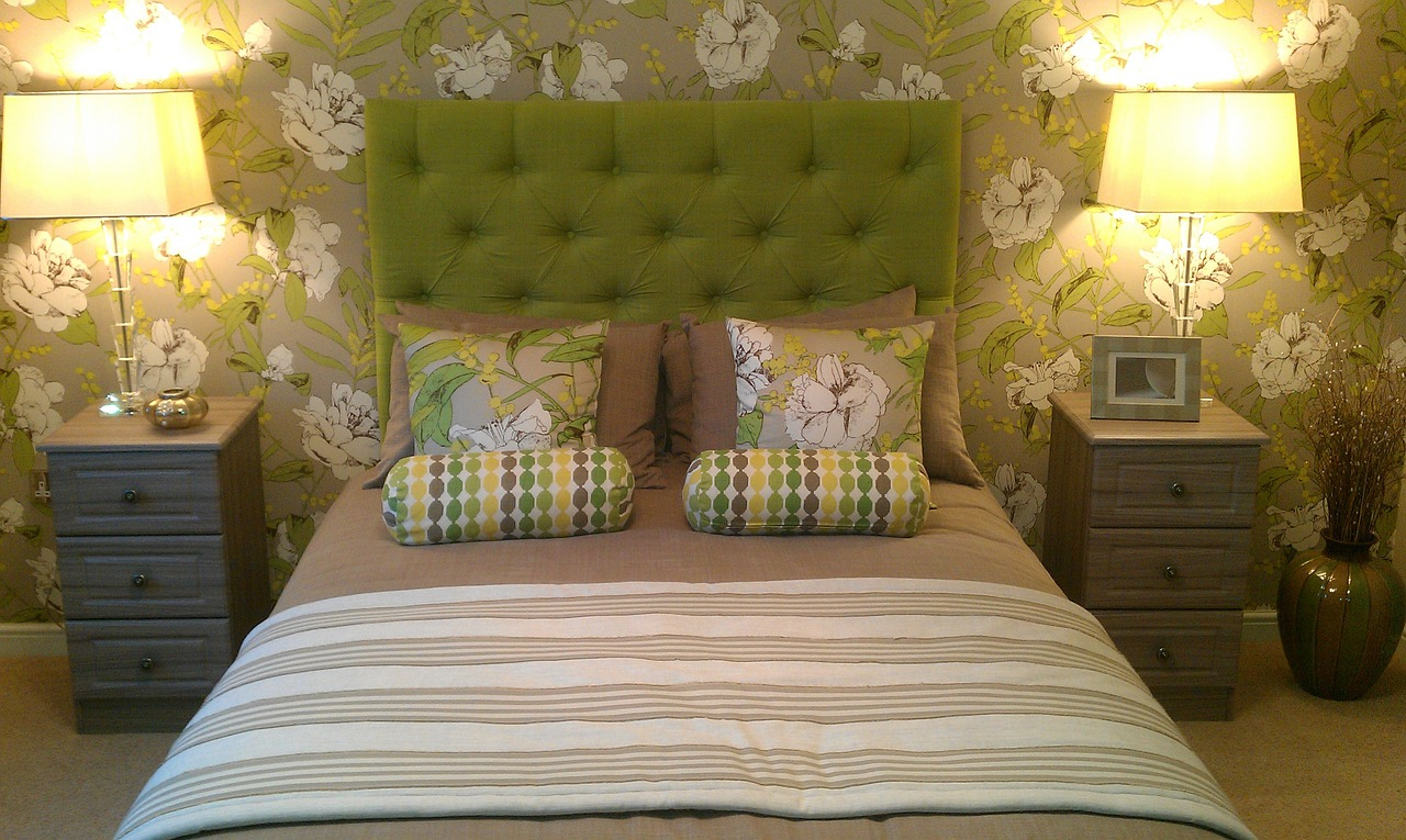 Add touches of green in your linens.