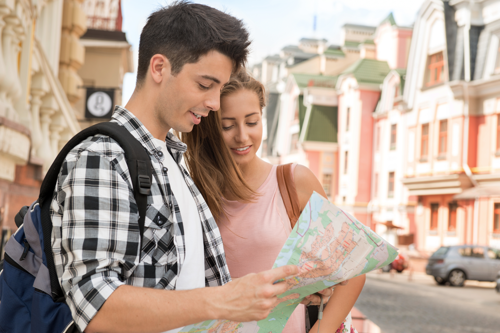 couple_travel_tourists