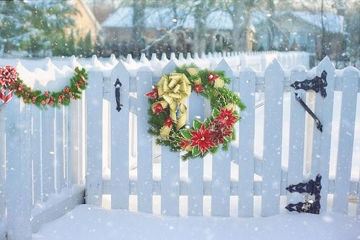 holiday fence.jpg