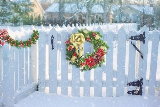 holiday fence.jpg