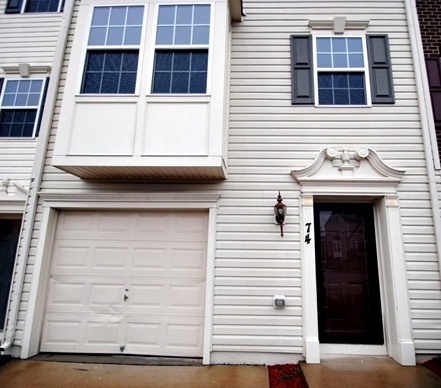 Stafford townhome with easy commute to Quantico.