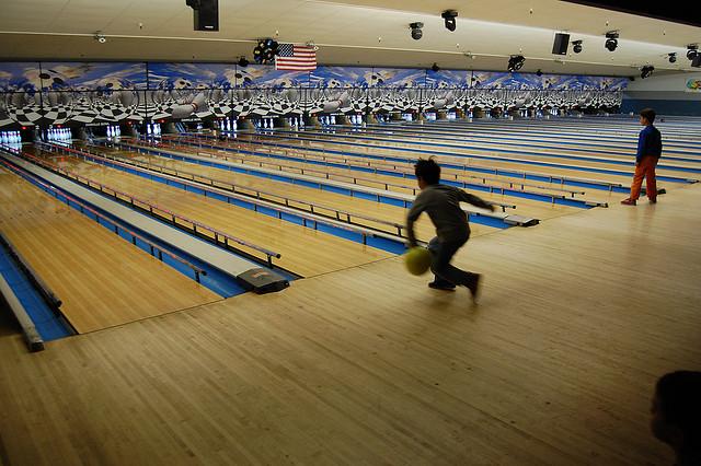 kids_bowling