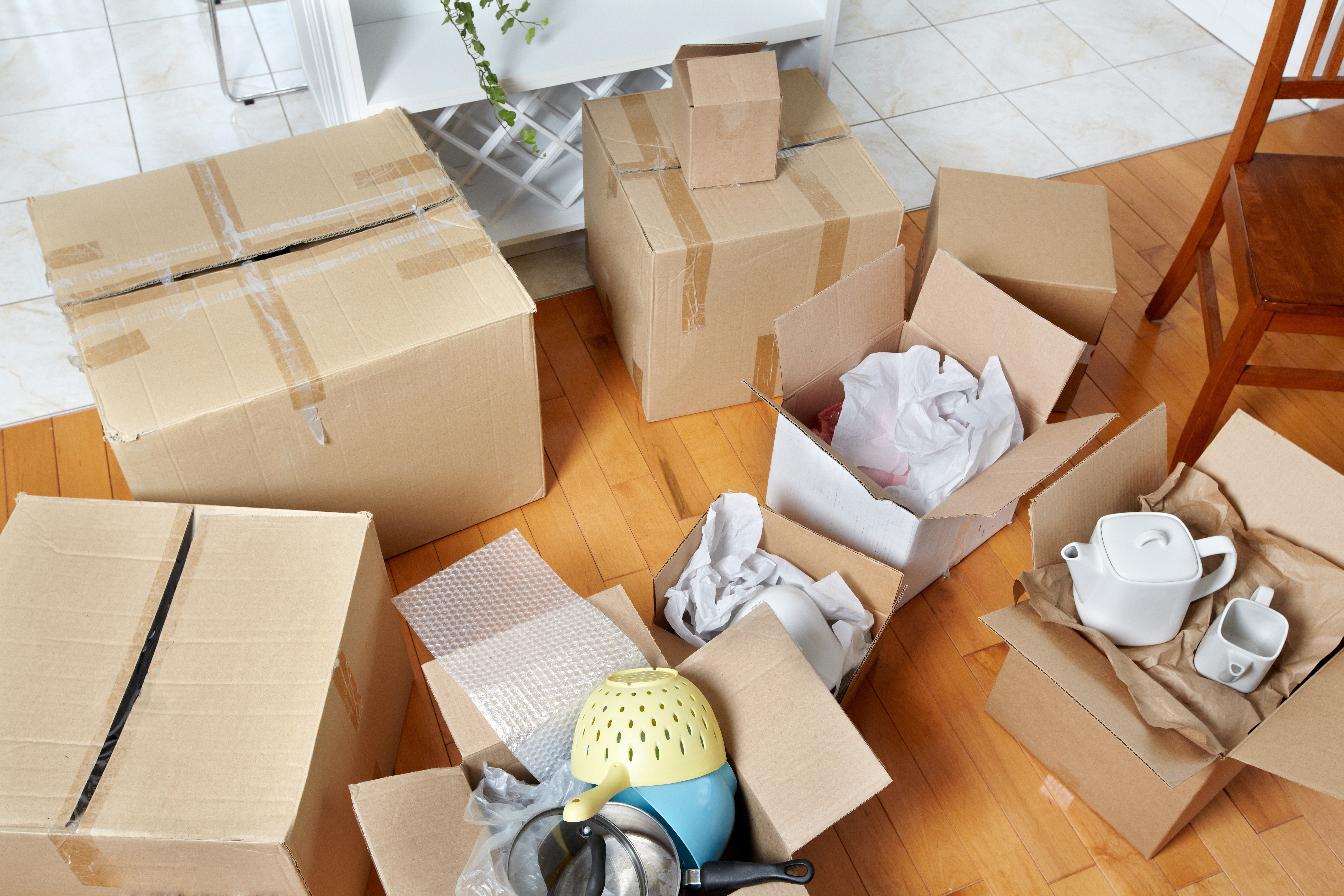 messy_moving_boxes