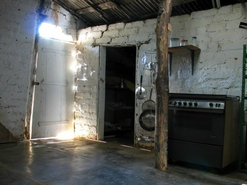 old_kitchen.jpg
