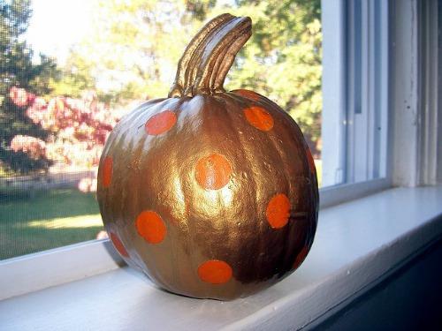 polka_dot_pumpkin.jpg