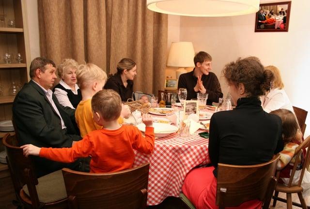 family_gathering_holiday.jpg