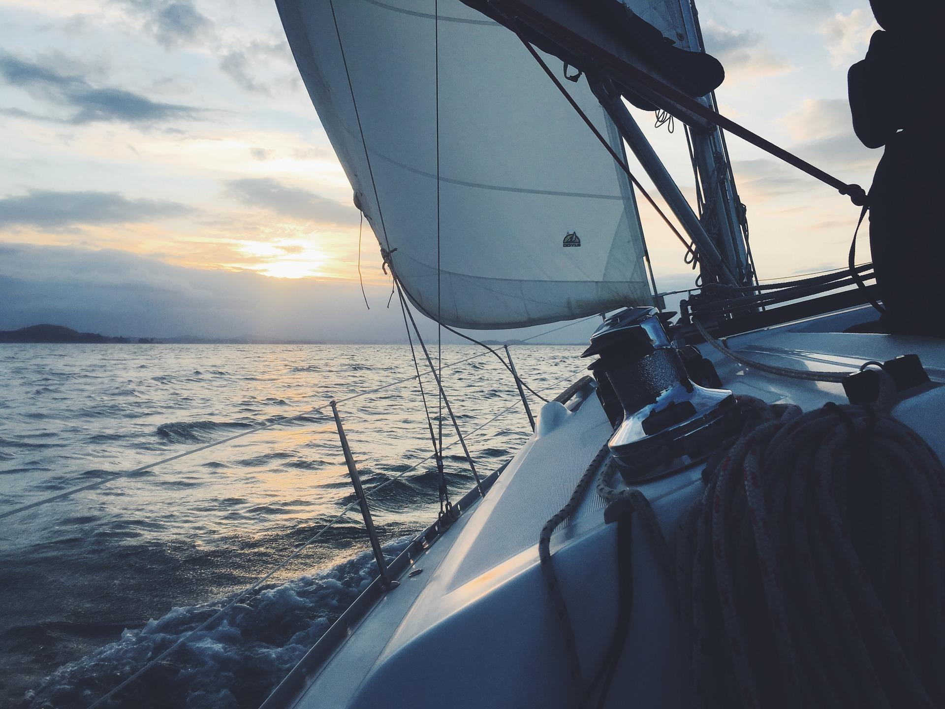 sailboat-1149519_1920.jpg
