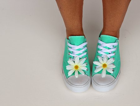shoes with flower.png