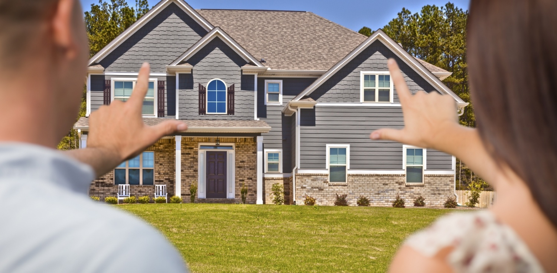 couple_buying_house.jpg