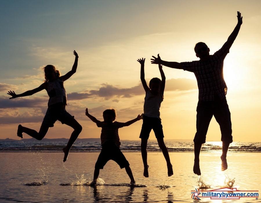 family_beach.jpg